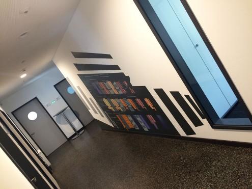 Stilisierung des Firmensitzes als Wandbild